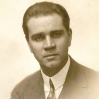 Evald Aav