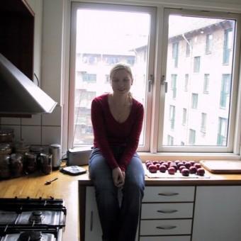 Naised Köögis